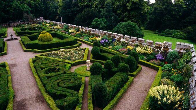 Chillingham-Castle_Der-Renaissancegarten_c-Chillingham-Castle_800
