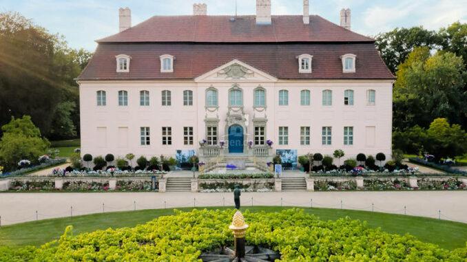 Schloss-Branitz_Hauptfassade_c-SFPM-Christiane-Schleifenbaum_800