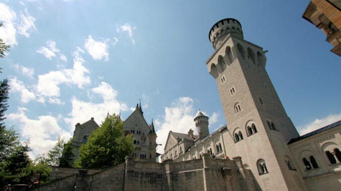 Schloss-Neuschwanstein_Innenhof_3949