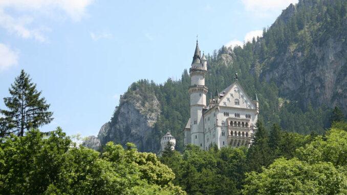 Schloss-Neuschwanstein_Rueckansicht_3892