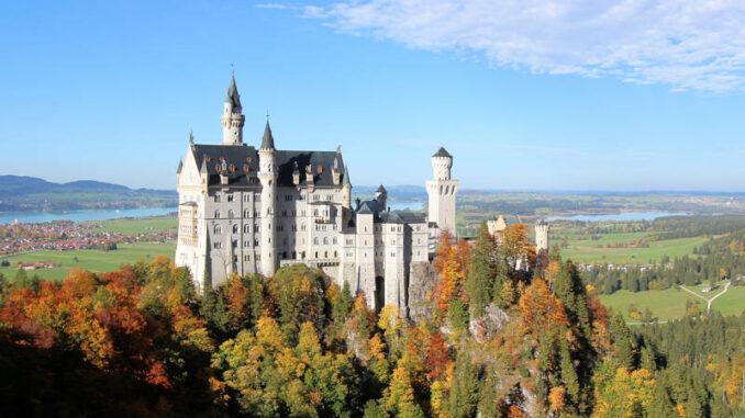 Schloss-Neuschwanstein_Suedseite_4528