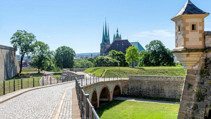 Zitadelle-Petersberg_Blick-auf-den-Dom_c-Stadtverwaltung-Erfurt_CC-BY-NC-ND_800