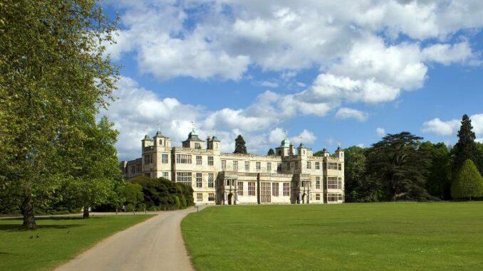Audley-End-House_Schlossfassade_c-Ron-Porter-auf-Pixabay_800