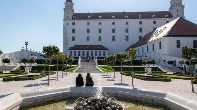Bratislavsky-hrad_Burg-Bratislava _Eingang-zur-Burg_c-Bratislava-Tourist-Board-visitbratislava.com_800