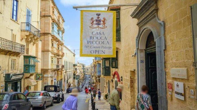 Casa-Rocca-Poccola_Fassade-zur-Strasse_c-Frank Vincentz