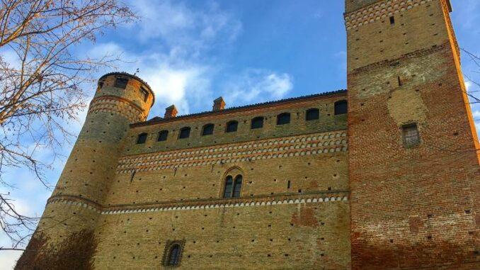 Castello-di-Serralunga_Palacium _c_Max-Romanelli-Castello-di-Serralunga_800