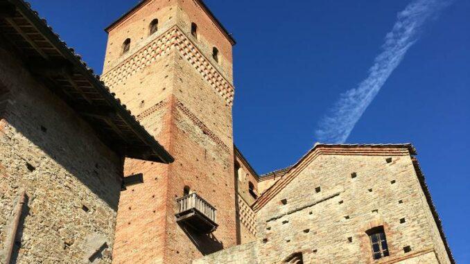 Castello-di-Serralunga_Turm _c_Max-Romanelli-Castello-di-Serralunga
