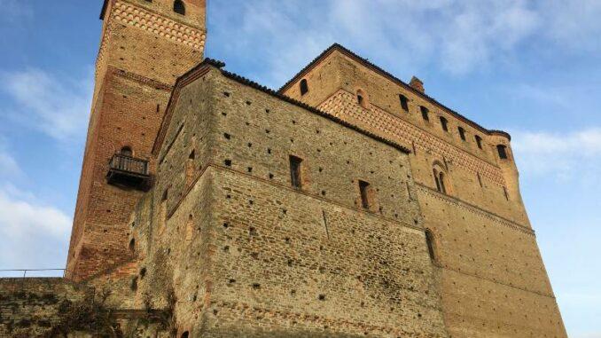 CastellodiSerralunga_Die-Festung_c_Max-Romanelli-CastellodiSerralunga_800