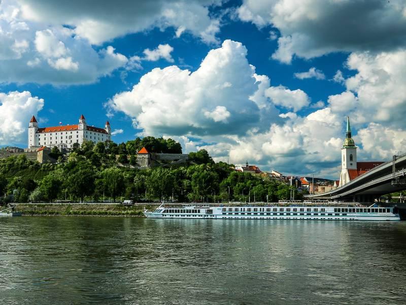 Die Donau bei Bratislava © Džoko Stach