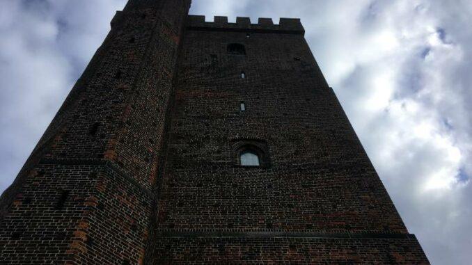 Kärnan-i-Helsingborg_Blick-gen-Himmel_c-burgen-de