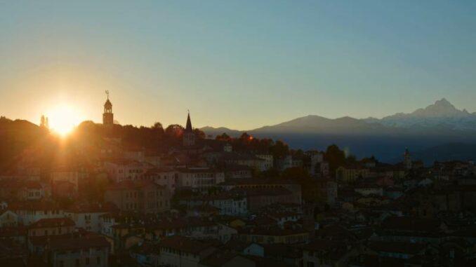La-Castiglia-di-Saluzzo_Sonnenuntergang-ueber-Saluzzo_c-La-Castiglia-di-Saluzzo-Pietro-Battisti_800