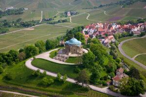 Luftaufnahme der Grabkapelle auf dem Württemberg© Photo Achim Mende_SSG