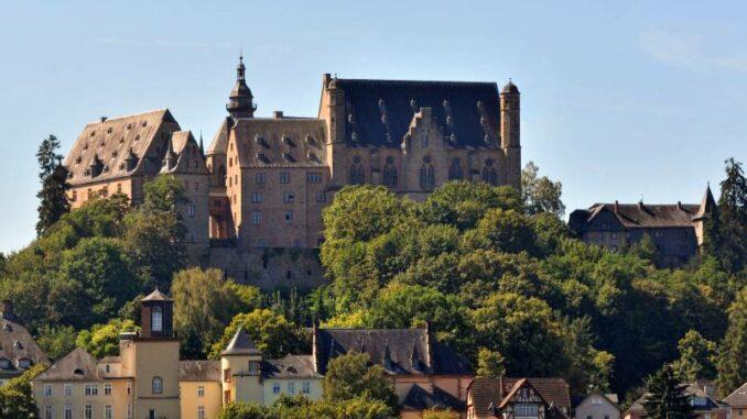 Marburger-Landgrafenschloss_Burgpanorama_Marburg-Stadt-und-Land-Tourismus-Georg-Kronenberg_800