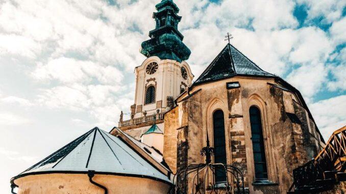 Nitriansky-hrad_Nitra-Castle_Kathedrale-des-heiligen-Emmeram_c-Nitriansky-hrad_Nitriansky-hrad_Nitra-Castle_800