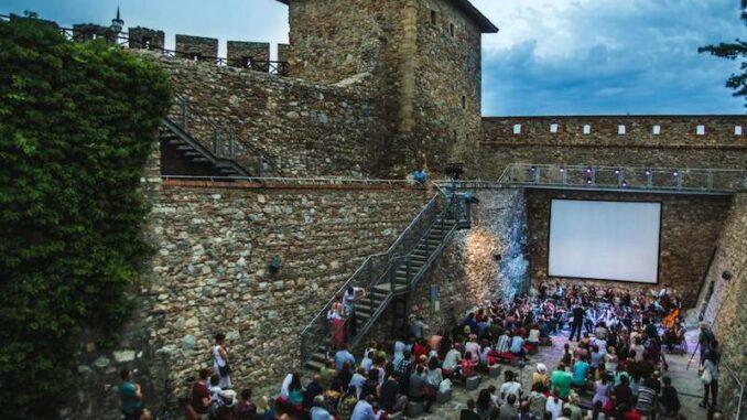 Nitriansky-hrad_Nitra-Castle_Kino-mit-Graben_c-Nitriansky-hrad_Nitra_800