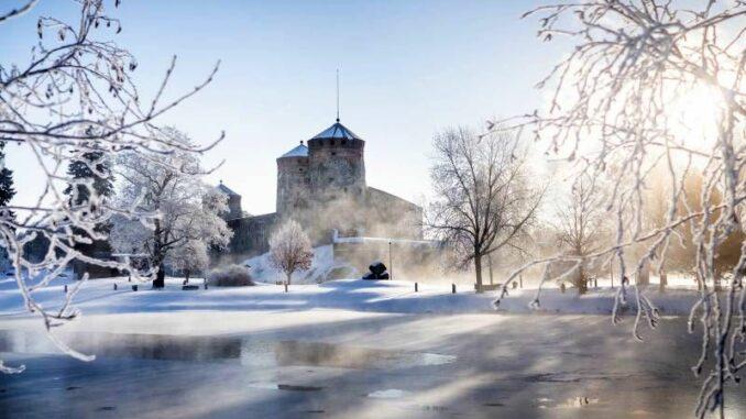 Olavinlinna_Burg-im-Schnee_c-Finnish-Heritage-Agency
