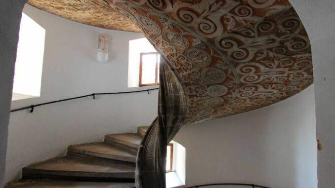 Schloss-Merseburg_Wendeltreppe-im-Kammerturm_c-burgen-de_800