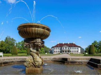 Schloss Oranienbaum - Parkseite mit Springbrunnen © KsDW-Bildarchiv Peter Dafinger