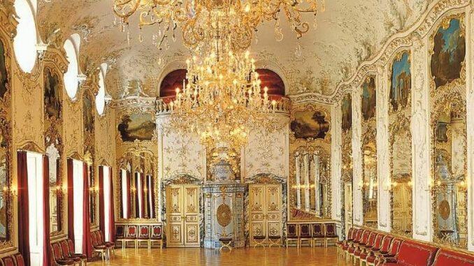 Schloss-St-Emmeram_Ballsaal_c-Fuerst-Thurn-und-Taxis-Hofbibliothek_800