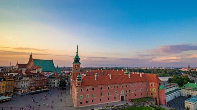 Zamek-Krolewski-w-Warszawie_Luftaufnahme-vom-Schlossplatz_c-Zamek-Krolewski-w-Warszawie_800