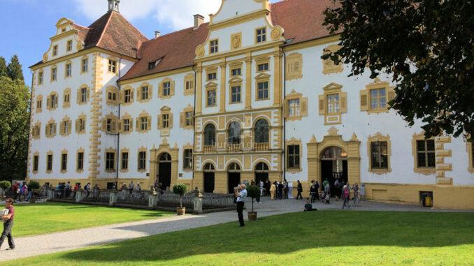Schloss und Kloster Salem - Blick auf die Prälatur © SSG Baden-Württemberg