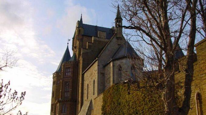 Burg-Hohenzollern_Seitenansicht_c-burgen.de_800