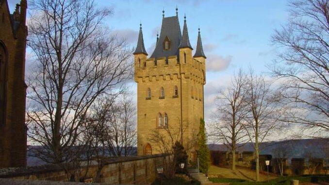 Burg-Hohenzollern_Turm_c-burgen.de_800