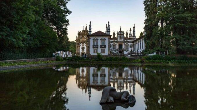 Casa-de-Mateus_Hauptfassade_c-Fernando-Pendão_800