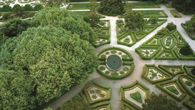 Casa-de-Mateus_Kameliengarten_c-Nicolas-Sapieha_800