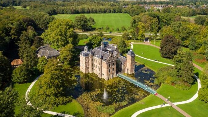 Kasteel-Ruurlo_Schloss_und-Park-aus-der-Luft_c-Rutger-Hollander_800